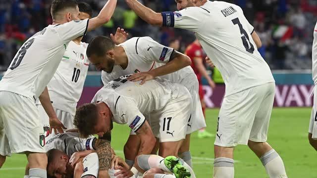 Belgio-Italia 1-2, a Monaco l'abito migliore