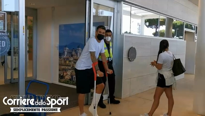 Spinazzola sbarca a Roma dopo l'intervento in Finlandia