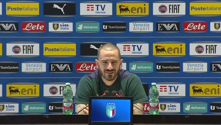 """Bonucci: """"Abbraccerò di nuovo la steward"""""""