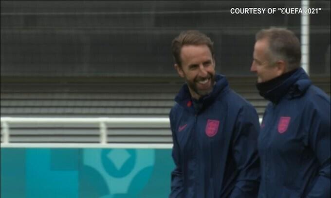 Inghilterra, rifinitura tra buon umore e sorrisi