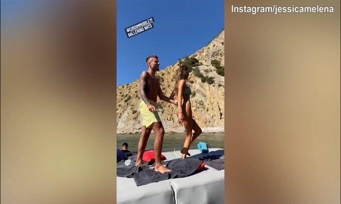 Ciro e Jessica, che ballo sexy sulla barca!