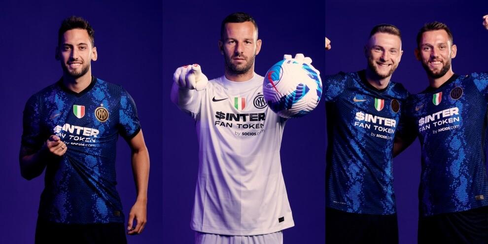 L'Inter posa con la nuova maglia e il nuovo sponsor