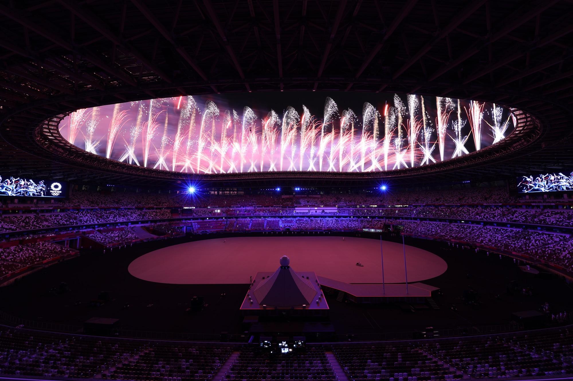 Olimpiadi, le spettacolari foto della cerimonia d'apertura
