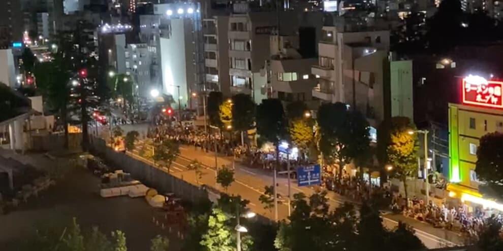 """Tokyo 2020, proteste fuori dallo stadio: """"Cancellate le Olimpiadi"""""""