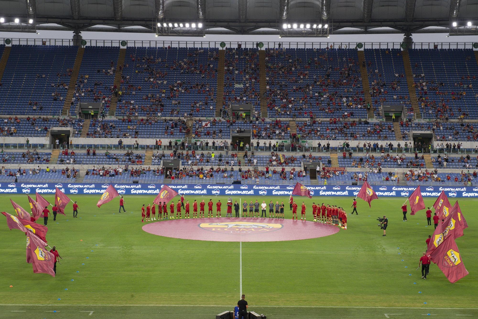 L'Olimpico con i tifosi in festa: ecco la presentazione della Roma di Mourinho