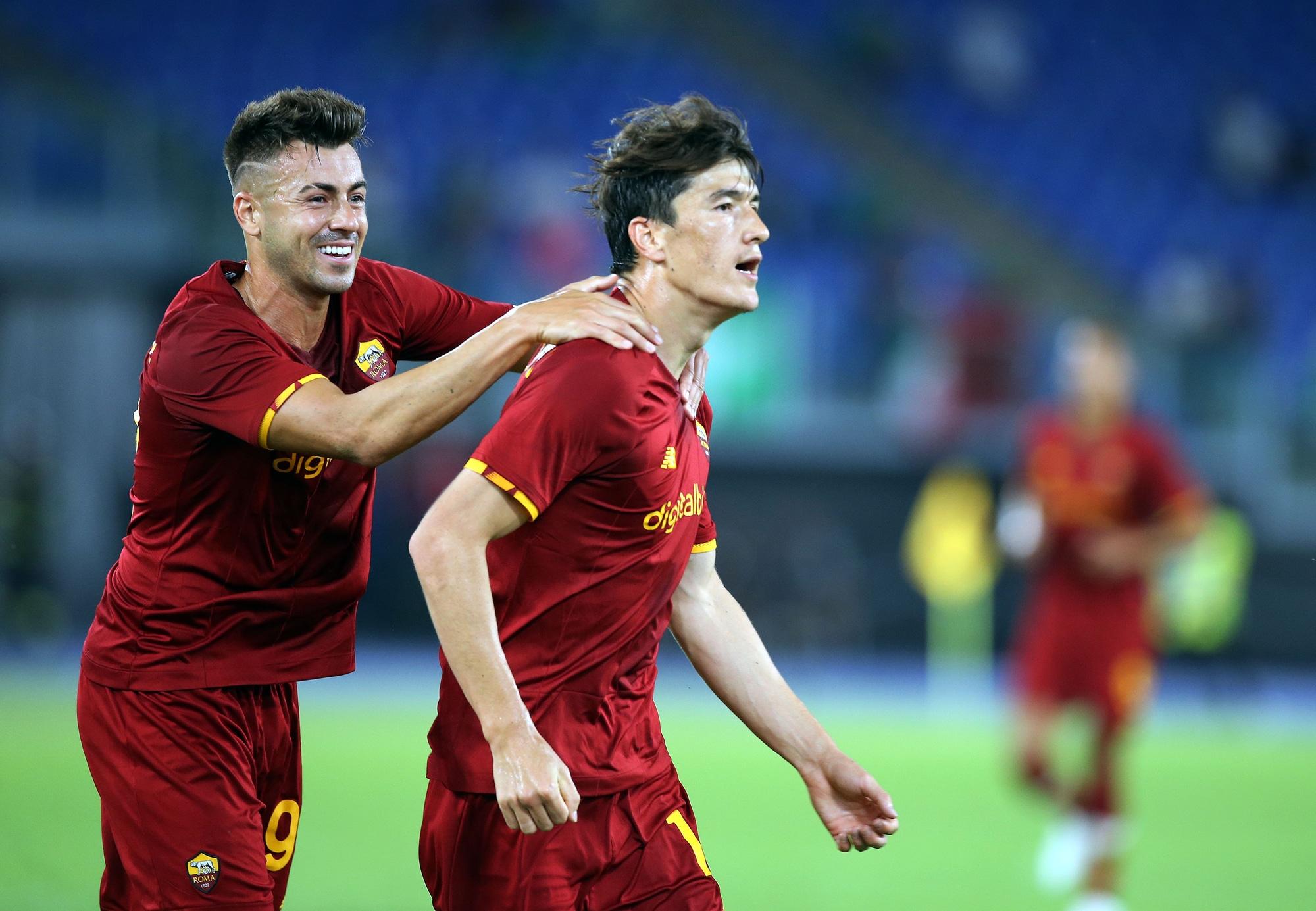 Roma, festa all'Olimpico: Shomurodov-gol nel 5-0 al Raja Casablanca