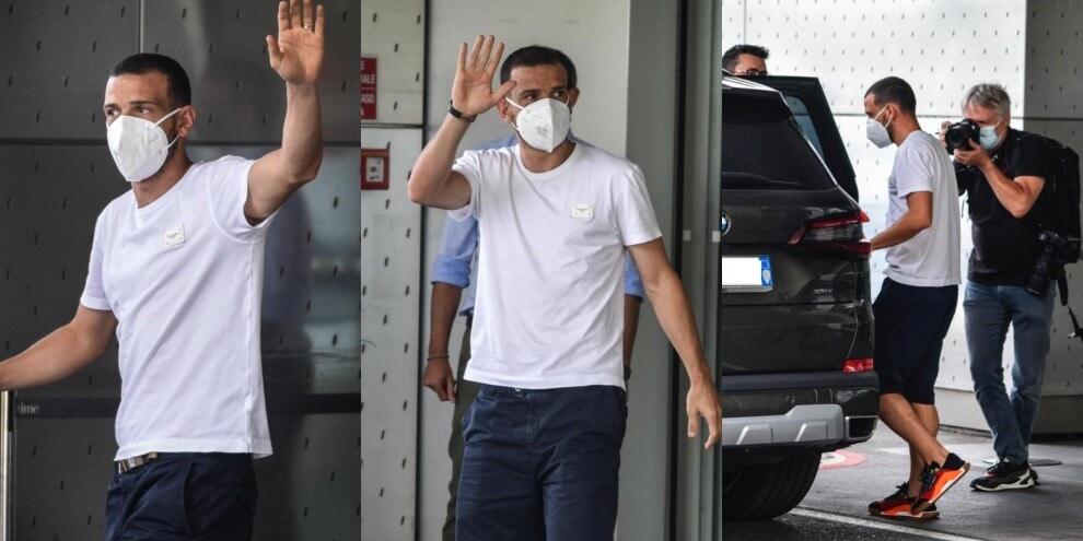 Florenzi, inizia l'avventura col Milan: sbarcato a Linate FOTO