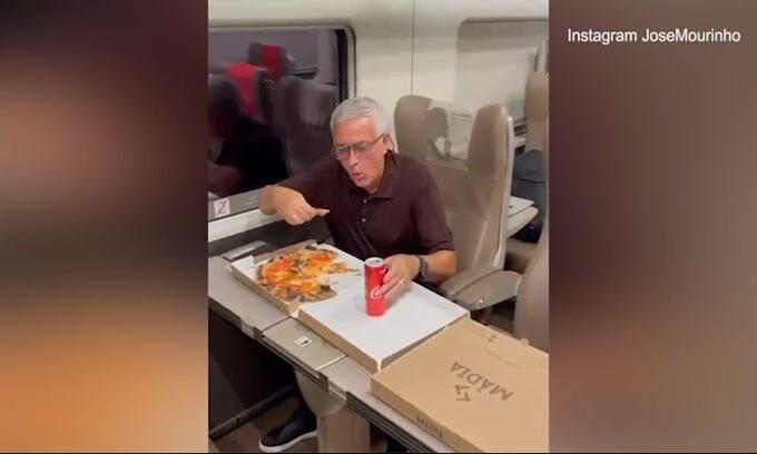 Roma, la cena della vittoria di Josè Mourinho