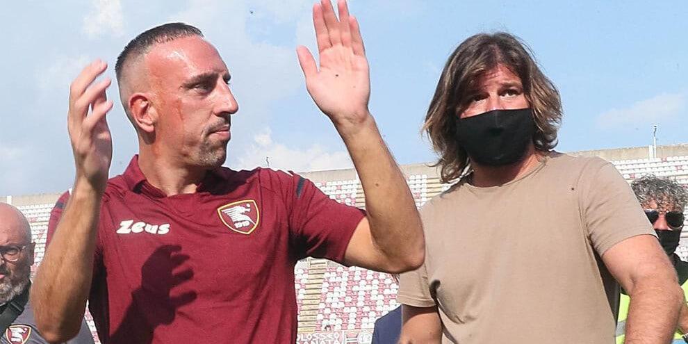 Salernitana in delirio per Ribery: l'abbraccio dell'Arechi