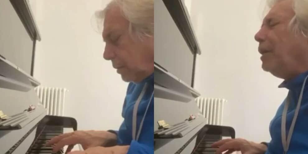 """""""Napoli capolista!"""": la dedica al piano di Nino D'Angelo"""