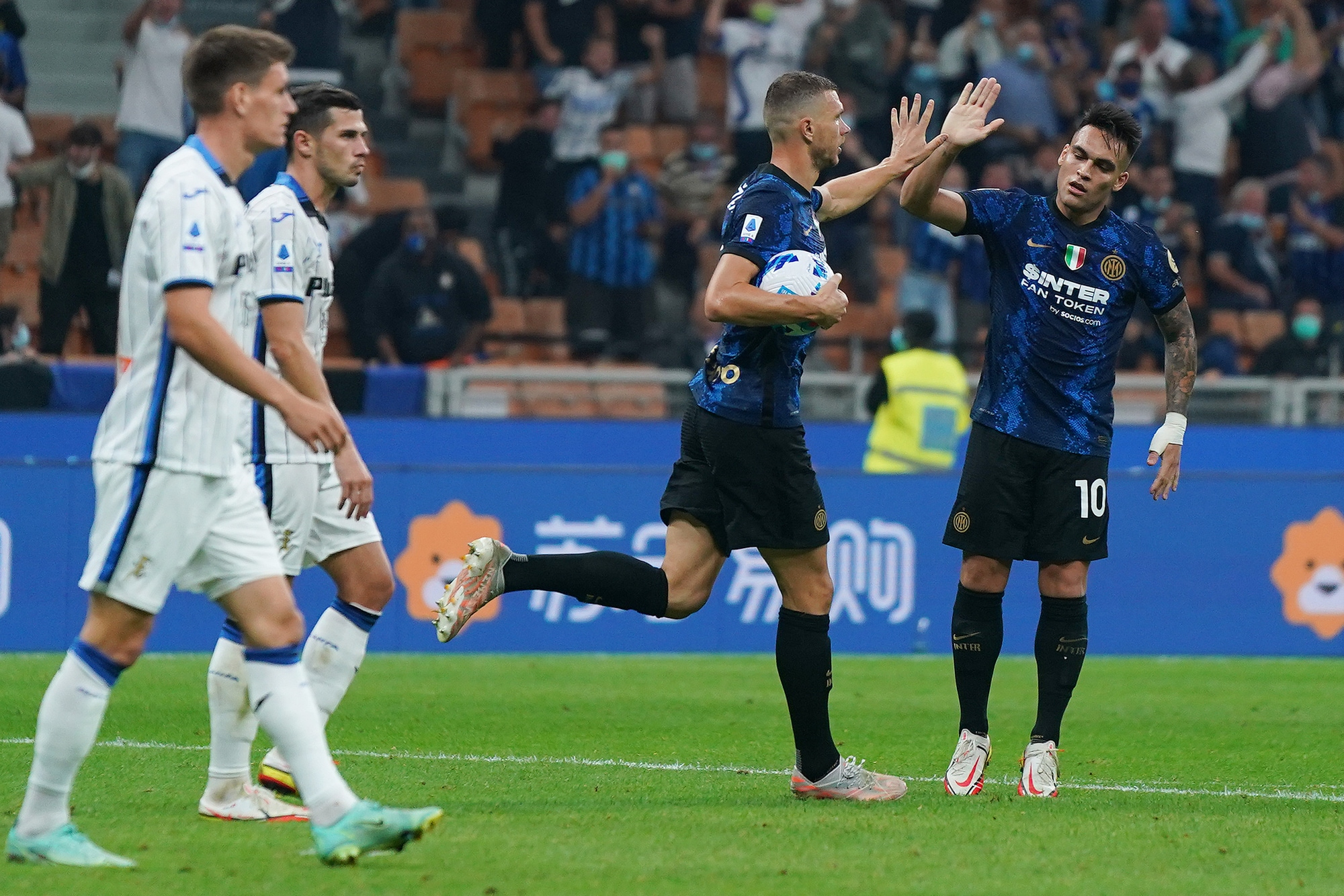 Dzeko salva l'Inter contro un'Atalanta show: Malinovskyi, che gol!