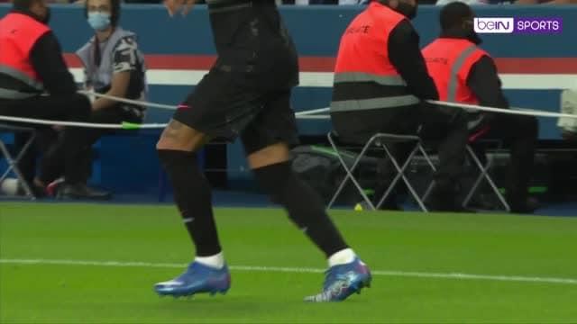 Neymar, come hai fatto? Stop incredibile della stella del PSG