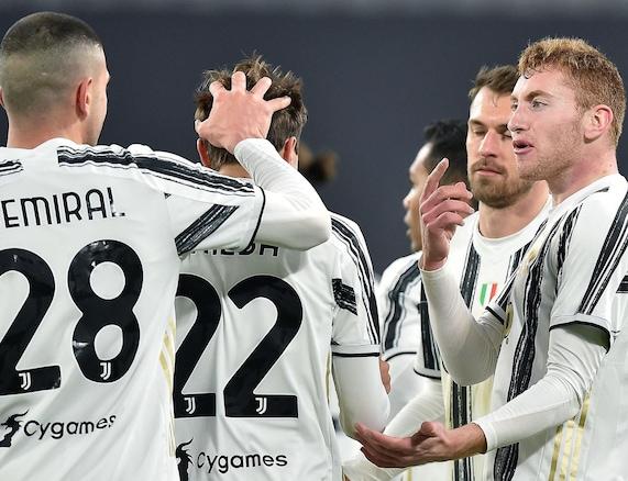 La Juve travolge la Spal e vola in semifinale: sfiderà l'Inter di Conte