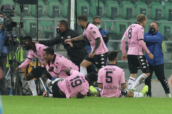 Serie C, la Sicilia è rosanero: Santana decide Catania-Palermo. Juve-Stabia-Bari 0-2