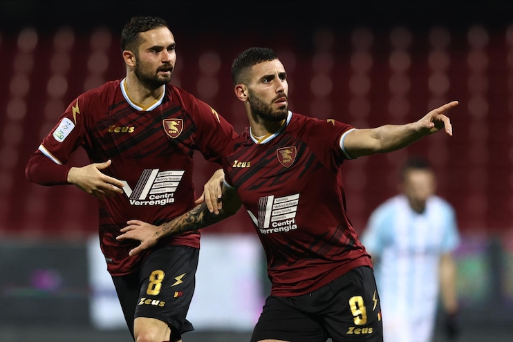 Tutino-Djuric, la Salernitana torna prima: Entella battuta 2-1 in rimonta